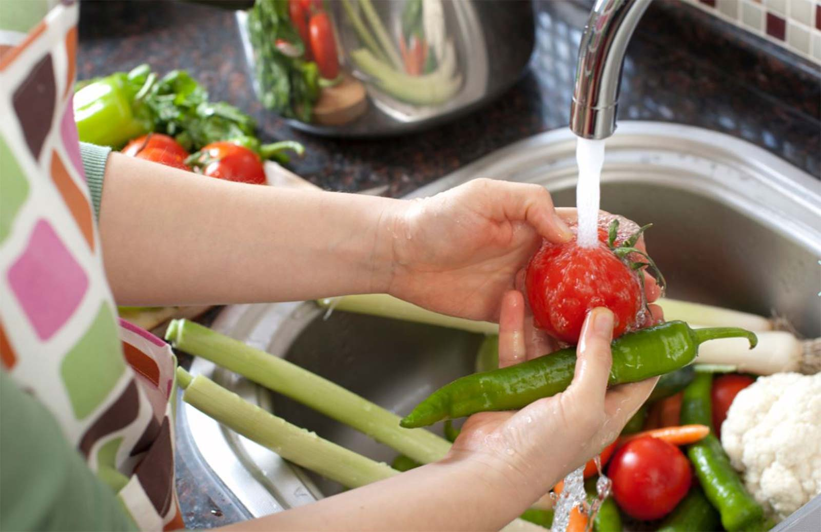 3-Current-SWC-Website-Photo_Hands-Washing-Vegetables